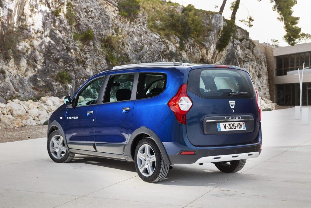 Essais Presse Dacia Lodgy Stepway (j92) Et Dacia Logan Van (f67) En Croatie
